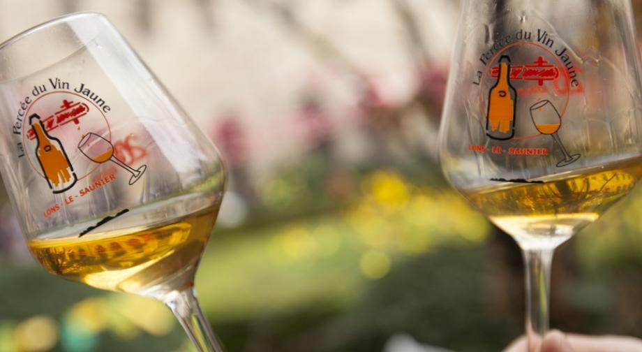 Percée du vin jaune - Crédit photo Région Bourgogne-Franche-Comté / David Cesbron