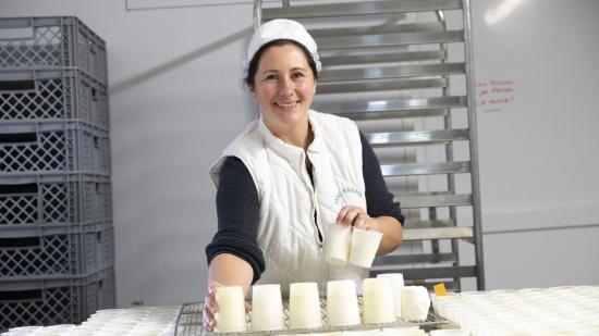 Roselyne Pardon, éleveuse de chèvres et de vaches dans les monts du Mâconnais -Photo Région Bourgogne-Franche-Comté David Cesbron