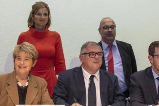 Signature du Pacte Régional d'Investissement dans les Compétences (PRIC) entre la Région Bourgogne-Franche-comté, l'Etat et les partenaires sociaux, jeudi 20 décembre 2018 à Dijon - Photo David Cesbron