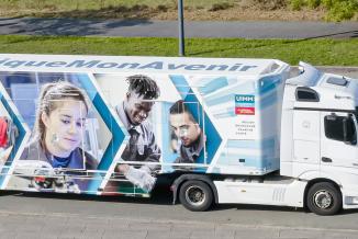 La Fabrique 4.0®, unité mobile de formation unique en France, est logée dans un camion et va parcourir la Bourgogne-Franche-Comté - Crédit Photo UIMM