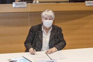 Signature du CPER par Jacqueline Gourault, ministre de la cohésion des territoires et des relations avec les collectivités territoriales, Marie-Guite Dufay, présidente de la Région Bourgogne-Franche-Comté, et Fabien Sudry, Préfet de Région - Photo DC