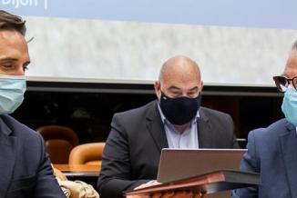 Jean-Baptiste Djebbari, ministre délégué chargé des transports, et Michel Neugnot, vice-président de la Région Bourgogne-Franche-Comté - Photo Région Bourgogne-Franche-Comté