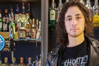 Edoardo, étudiant et serveur dans un bar à Besançon - Photo Région Bourgogne-Franche-Comté