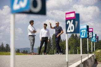 Visite de Willy Bourgeois au stade des Tuffes - Photo David Cesbron - Région Bourgogne-Franche-Comté