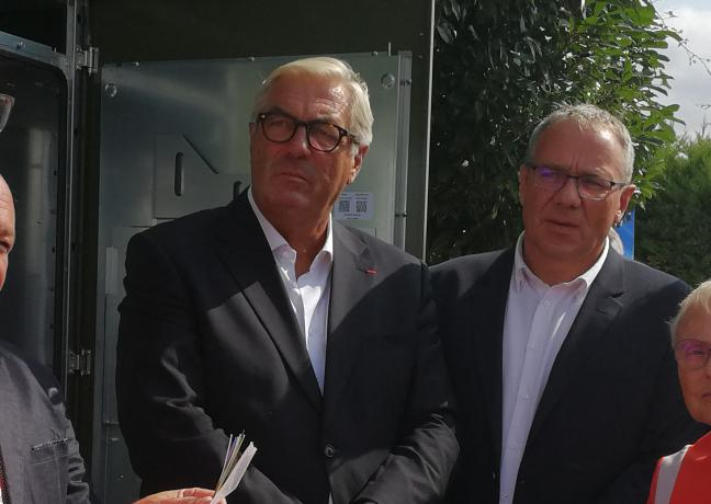 Mardi 28 août, Patrick Molinoz, vice-président de la Région Bourgogne-Franche-Comté en charge notamment de l'innovation et du développement numérique des territoires, a participé à l'inauguration du nouveau central THD de Clamerey (21)