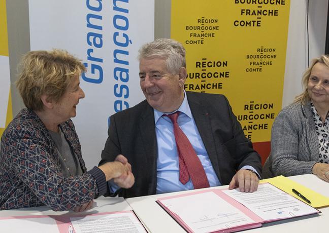 Signature du contrat de développement métropolitain entre la Région Bourgogne-Franche-Comté et le Grand Besançon, lundi 12 novembre 2018 - Crédit Région Bourgogne-Franche-Comté / David Cesbron