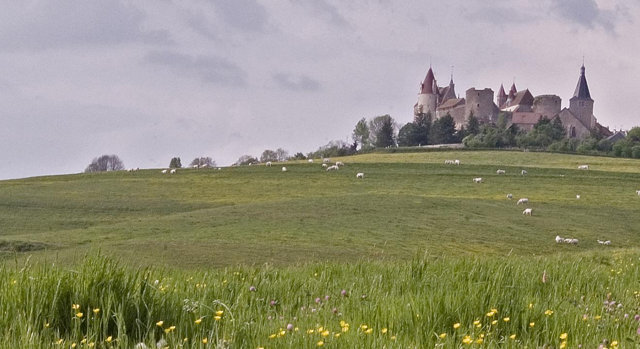 Châteauneuf-en-Auxois - Crédit photo Jean-Marc Schwartz