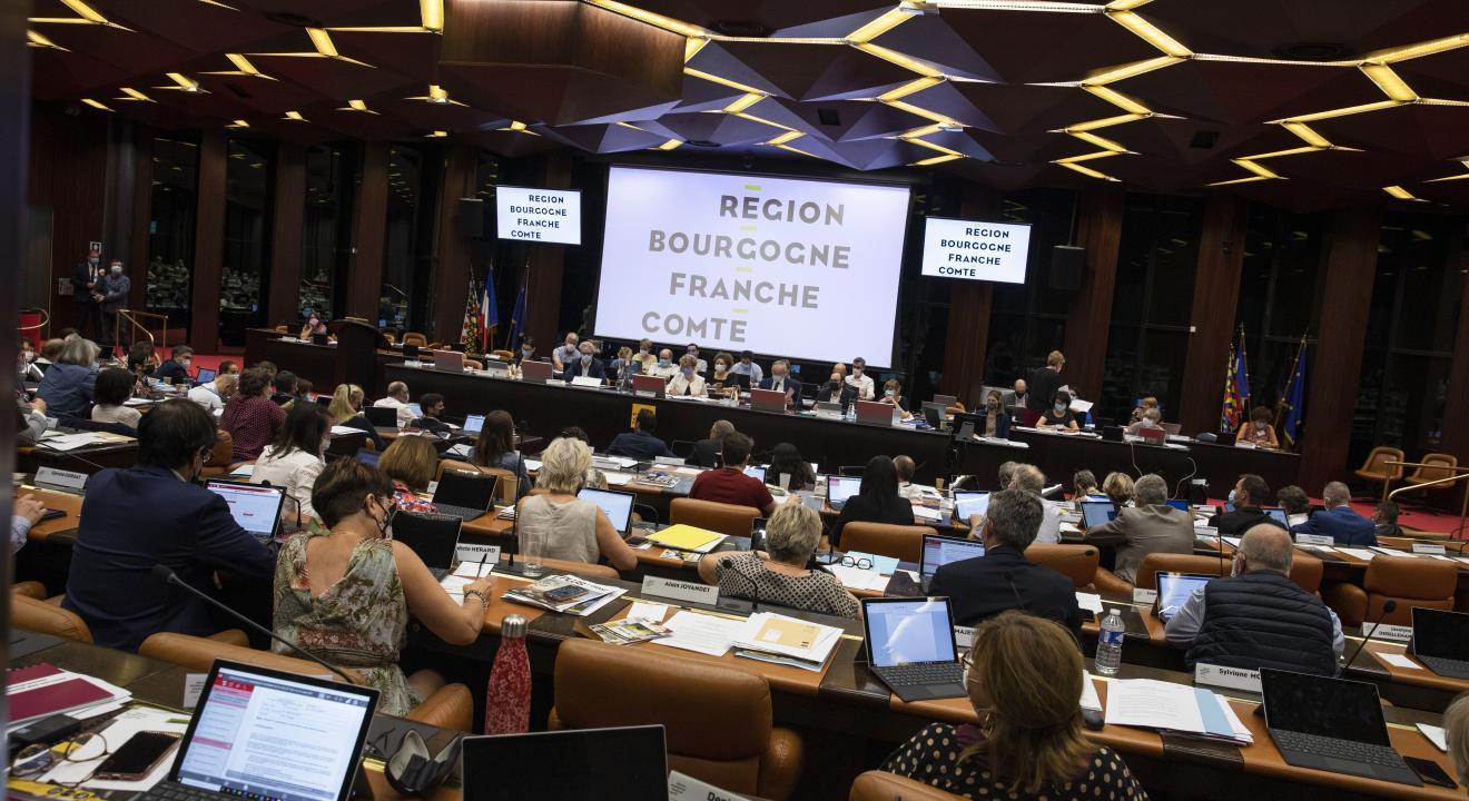 Assemblée plénière du Conseil régional de Bourgogne-Franche-Comté - Photo Région Bourgogne-Franche-Comté David Cesbron